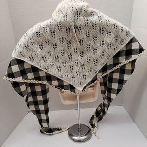 Muk Luks Traingle Scarf Wrap Knit Lace Black Check